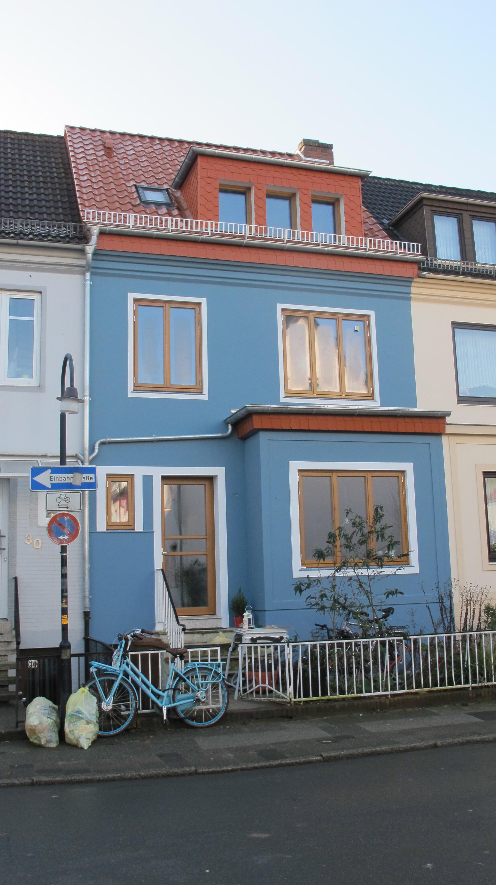 Altbremer Haus mit lasierten Holzfenstern und Türen von Fecon Nordwest