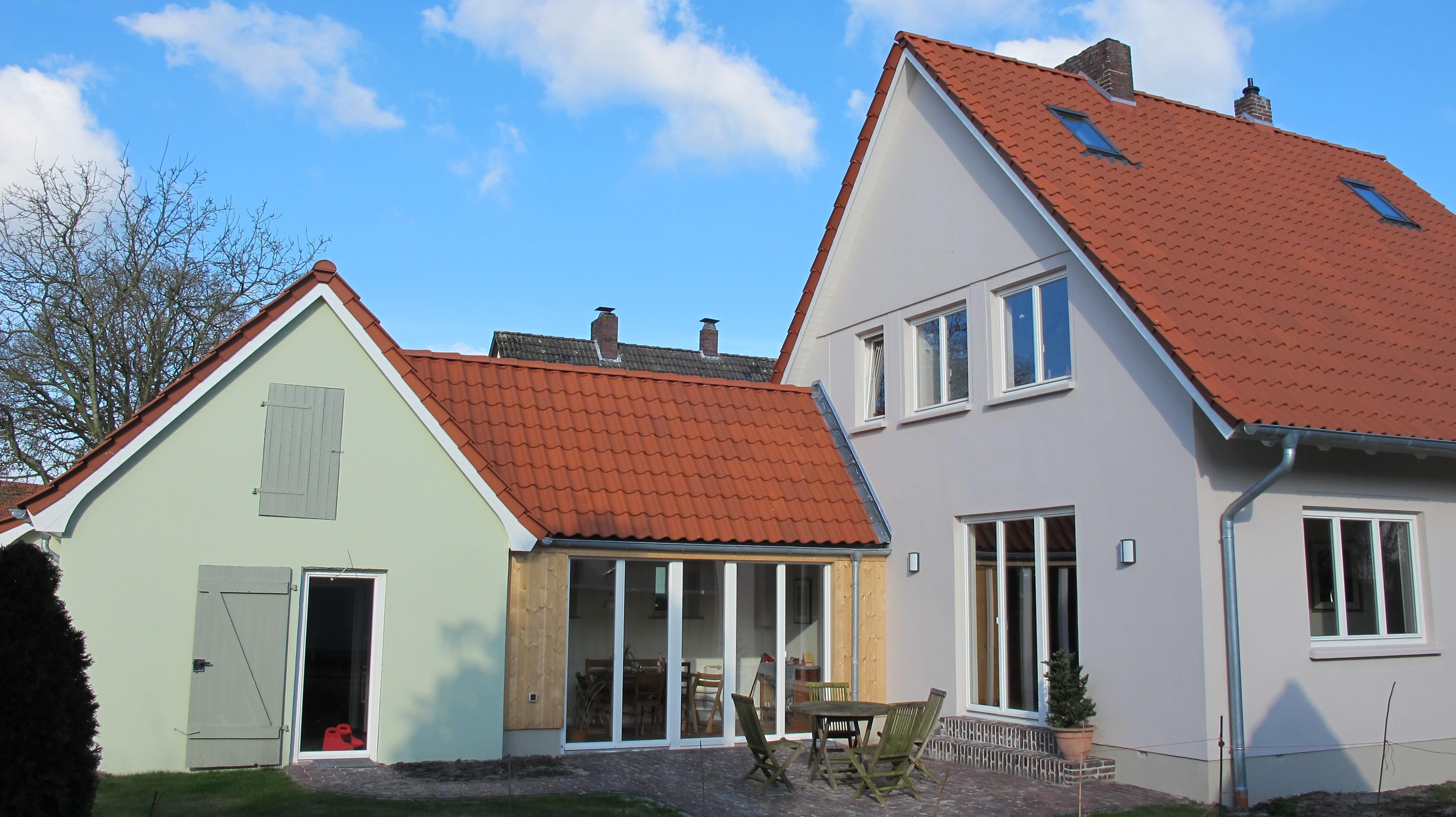 Einfamilienhaus_Holzfenster_schlicht_Fecon_Nordwest
