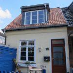 Altbremer Haus mit dänischen Holzfenstern mit Sprossen und Oberlicht von Fecon Nordwest.